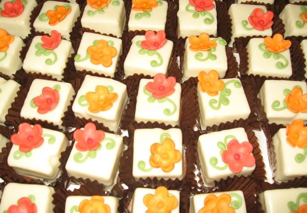 Petit Fours with Flowers